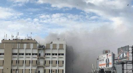 Τουλάχιστον 60 άνθρωποι διασώθηκαν από φλεγόμενο κτήριο στη Μουμπάι
