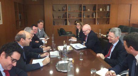 Συνάντηση Χατζηδάκη με τον υφυπουργό Εξωτερικών των ΗΠΑ, Φίλιπ Ρίκερ