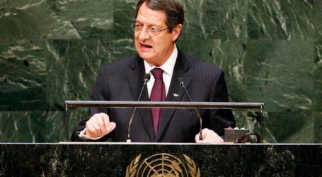 DW: Διγλωσσία Αναστασιάδη στο Κυπριακό;