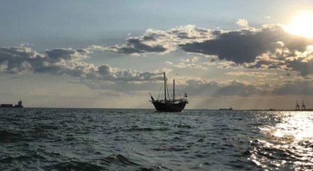 Το εντυπωσιακό ξύλινο σκάφος από το Κατάρ που έδεσε στη Θεσσαλονίκη