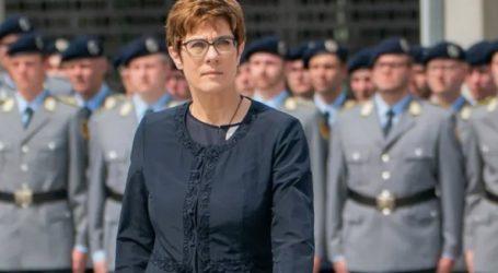 Γερμανία: Ορκίστηκε η νέα υπουργός Άμυνας Ανεγκρέτ Κραμπ