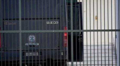 Αποφυλακίστηκαν τα αδέλφια Τσάκαλου, μέλη της «Συνωμοσίας Πυρήνων της Φωτιάς»