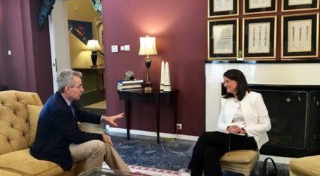 Συνάντηση Κεραμέως με Πάιατ για τη συνεργασία Ελλάδας-ΗΠΑ στην εκπαίδευση