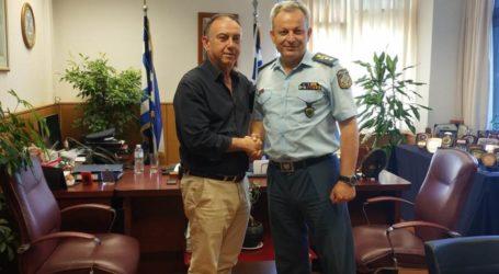 Κέλλας με στελέχη Αστυνομίας και Πυροσβεστικής: «Στηρίζουμε τα σώματα ασφαλείας»