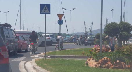 Βόλος: Τροχαίο ατύχημα στον κυκλικό κόμβο του Δημαρχείου