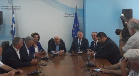 Συγκινημένη η Μαρίνα Χρυσοβελώνη παρέδωσε το Υπουργείο Εσωτερικών [εικόνα]