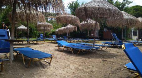 Άδειες οι παραλίες της Μαγνησίας – Στα σπίτια τους έμειναν οι Βολιώτες [εικόνα]