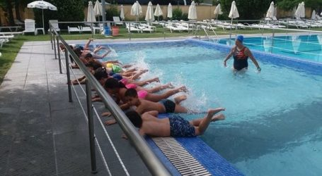 Δραστηριότητες στη Δημοτική Πισίνα για την «Κατασκήνωση στην Πόλη» του Δήμου Λαρισαίων