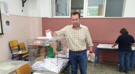 Ψήφισε ο Βασίλης Κόκκαλης: «Ιστορικές οι στιγμές, εμπιστεύομαι την κρίση των πολιτών»