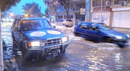 ΤΩΡΑ: Άμεσα αντιμετωπίστηκαν μικροπορβλήματα λόγω καταιγίδας στον Βόλο [εικόνα]