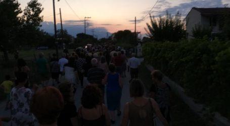 Πλήθος πιστών στην Αγία Παρασκευή Μεσαγγάλων για τη λιτάνευση εικόνας (φωτο – βίντεο)