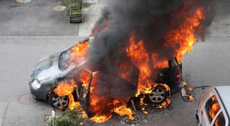 Λαρισαίος περίμενε το φανάρι και είδε το αυτοκίνητό του να παίρνει φωτιά!