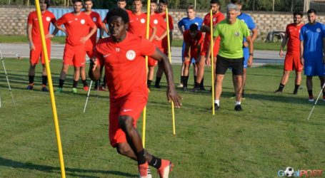 Σκληρή δουλειά από τους παίκτες του Ολυμπιακού Β. στο Ελατοχώρι
