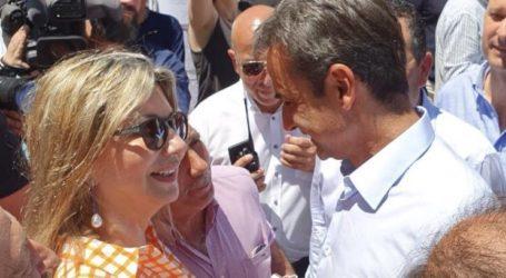 Η Ζέττα Μακρή δίπλα στον Κυριάκο Μητσοτάκη στην περιοδεία του στη Μαγνησία
