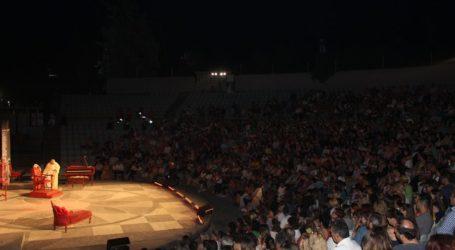 Κατάμεστο το Κηποθέατρο Αλκαζάρ για την παράσταση «Ο κατά φαντασίαν ασθενής» με τον Πέτρο Φιλιππίδη (φωτο)