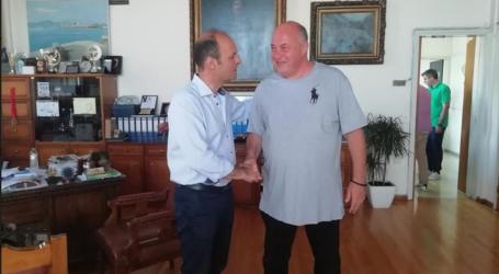 Στο γραφείο του Αχιλλέα Μπέου ο Γιώργος Καλτσογιάννης