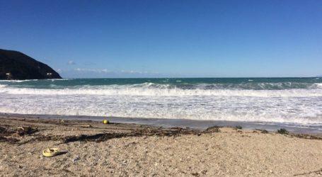 Παραλίγο τραγωδία στο Πήλιο – Τεράστια κύματα «χτύπησαν» 28χρονο κολυμβητή