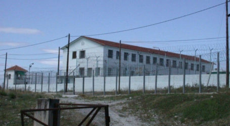 Κρατούμενος στις Φυλακές Κασσαβέτειας απείλησε να αυτοκτονήσει για ένα… τηλεφώνημα