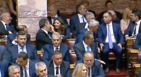 Πρώτη μέρα στα έδρανα για τους Λαρισαίους βουλευτές – Που κάθισαν, τι φόρεσαν