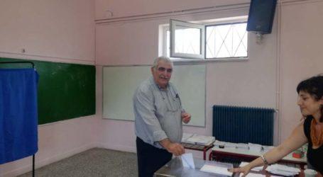 """Άσκησε το εκλογικό του δικαίωμα o Νίκος Παπαδόπουλος: """"Κρίσιμη """"μάχη"""" σήμερα, ας μην λείψει κανείς"""""""