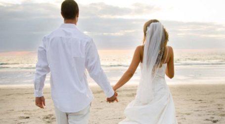 Λάρισα: Νιόπαντροι πήγαν για μπάνιο και τους «βούτηξαν» από το αυτοκίνητο 2.500 ευρώ δώρα για τον γάμο