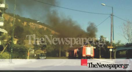 ΤΩΡΑ: Στις φλόγες για δεύτερη φορά σπίτι στον Άναυρο [εικόνες]