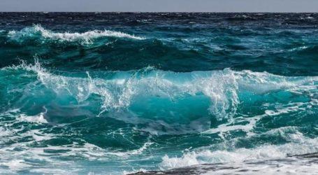 Πήλιο: Τραυματίστηκε στον ώμο προσπαθώντας να βγει από την κυματώδη θάλασσα