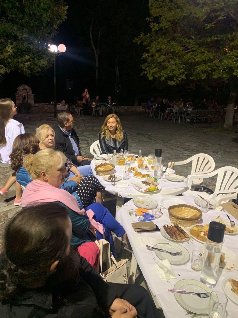 Στη γιορτή πίτας στην Ελασσόνα η Μπίζιου
