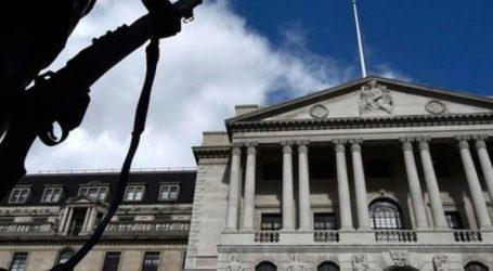 Η Τράπεζα της Αγγλίας αναθεωρεί πτωτικά τις προβλέψεις για τον ρυθμό οικονομικής ανάπτυξης