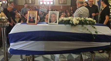 Με τιμές εν ενεργεία δημάρχου κηδεύτηκε ο Μανώλης Σκουλάκης
