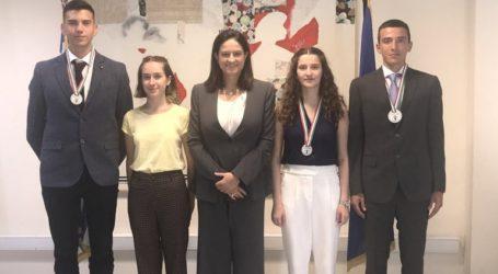 Η Νίκη Κεραμέως τίμησε τους μαθητές που διακρίθηκαν στη Διεθνή Ολυμπιάδα Βιολογίας