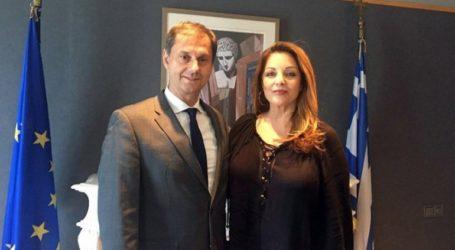 Συνάντηση Χάρη Θεοχάρη με τη νέα πρόεδρο του ΕΟΤ Άντζελα Γκερέκου