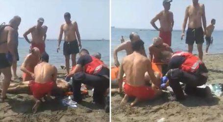Ναυαγοσώστες επανέφεραν στη ζωή 40χρονο λουόμενο σε παραλία της Λεμεσού