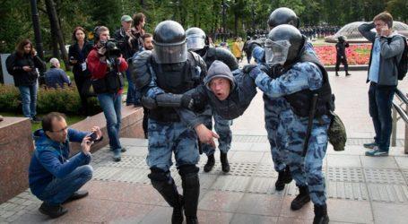Το Παρίσι καταδικάζει τις συλλήψεις διαδηλωτών στη Μόσχα