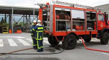 Υπό έλεγχο η πυρκαγιά κατά μήκος της σιδηροδρομικής γραμμής στην περιοχή της Σίνδου