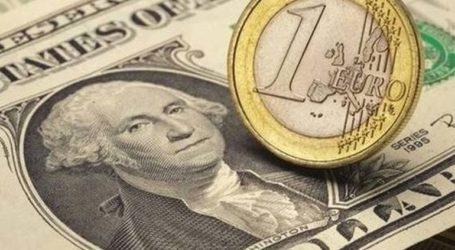 Το ευρώ υποχωρεί οριακά 0,03%, στα 1,1201 δολάρια