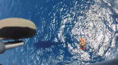 Η δραματική διάσωση ναυαγού από ελικόπτερο του Ναυτικού
