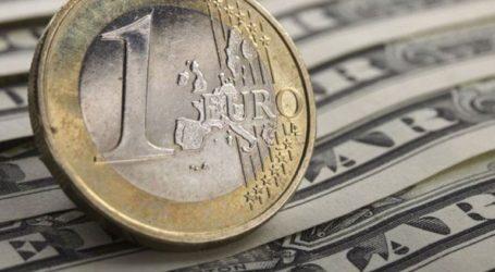 Το ευρώ υποχωρεί κατά 0,16%, στα 1,1188 δολάρια