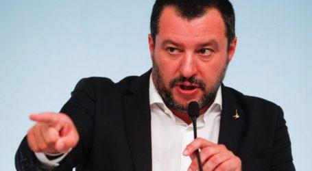 Ο Ματέο Σαλβίνι πυροδοτεί κυβερνητική κρίση στην Ιταλία