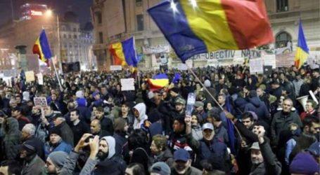 Χιλιάδες διαδηλωτές στους δρόμους ζητώντας την παραίτηση της κυβέρνησης