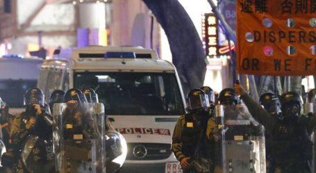 Η αστυνομία έκανε χρήση δακρυγόνων εναντίον αντικυβερνητικών διαδηλωτών που βγήκαν και σήμερα στους δρόμους του Χονγκ Κονγκ