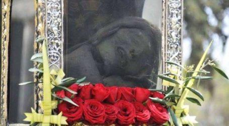 Με ιδιαίτερη λαμπρότητα η λιτανεία του σκηνώματος του Αγίου Σπυρίδωνα στην Κέρκυρα