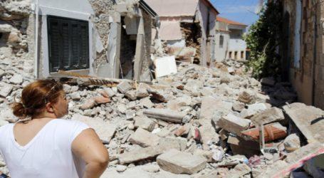 Διαμαρτυρία των κατοίκων του χωριού Βρίσα, που ισοπεδώθηκε από τον σεισμό