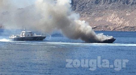 Φωτιά σε θαλαμηγό χωρίς επιβάτες στη Σύμη