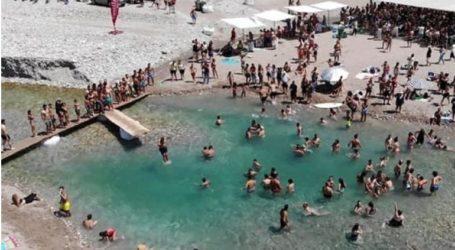 Συνωστισμός στις παραλίες του Αχελώου