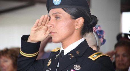 Έδωσε προτεραιότητα στα στρατιωτικά γυμνάσια υπόψηφια με τους Δημοκρατικούς