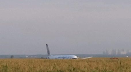 Η Ρωσία θα βραβεύσει τους πιλότους του αεροσκάφους που πραγματοποίησε επιτυχή αναγκαστική προσγείωση