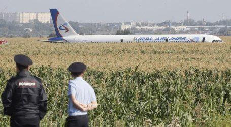 «Δεν είμαι ήρωας», λέει ο κυβερνήτης του Airbus, που συγκρούστηκε με σμήνος πουλιών