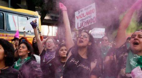 Διαδήλωση για βιασμούς εφήβων κοριτσιών από αστυνομικούς