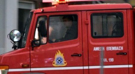 Πυρκαγιά σε σκάφος στη Γλυφάδα -Άμεση κινητοποίηση της Πυροσβεστικής